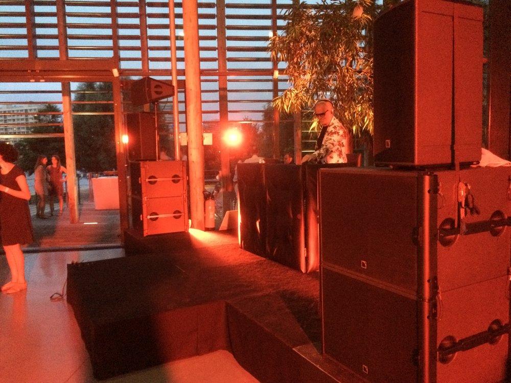 Mise en place Technique sonorisation & éclairage pour plénière et soirée de gala Dj Live à l'Ile Monsieur