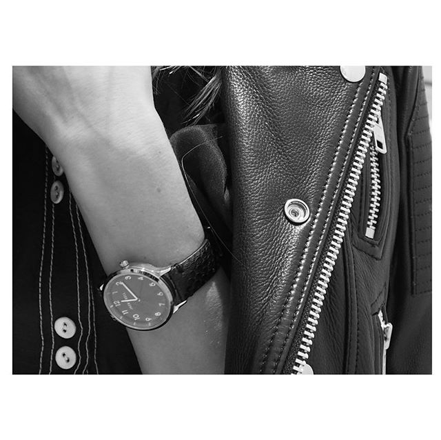 Leather goods 🖤 • • • • • #leather #fashion #luxury #style #jacket #leatherjacket #watch #accessories #leatherwatch #monochrome #black #white #collection #handmade #paris #hardware #metal #stylish #pretty #fashionblog #fashionblogger #zip #blackleather #leatherjacket #love #design #leathercraft #leathergoods #designer