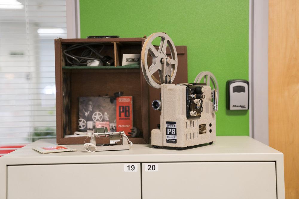 film projector (1).JPG