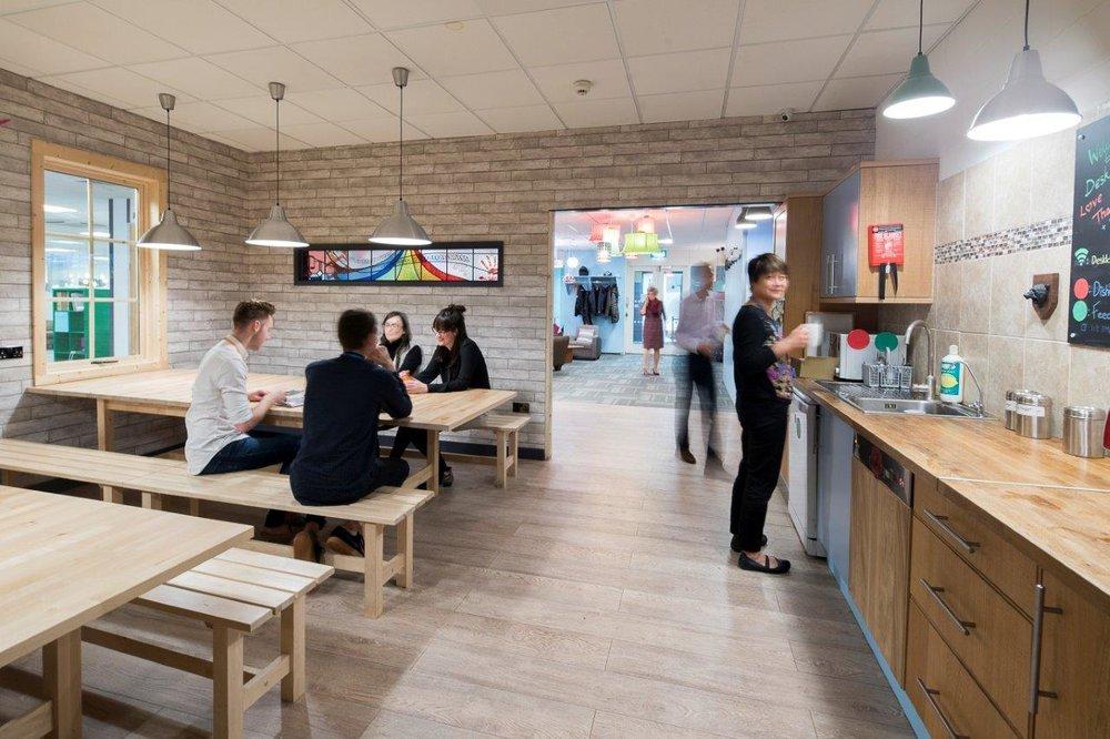 DeskLodge Bristol - 160 - 2351 mikekear.com.jpg