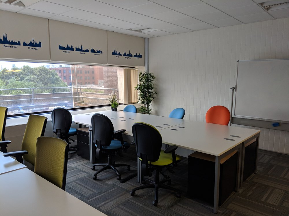 Example of: - 12 person private office