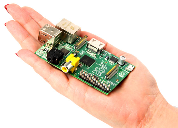 apcnews2012raspberry_pi_on_hand_thumb_mainImage3.jpg3.jpg