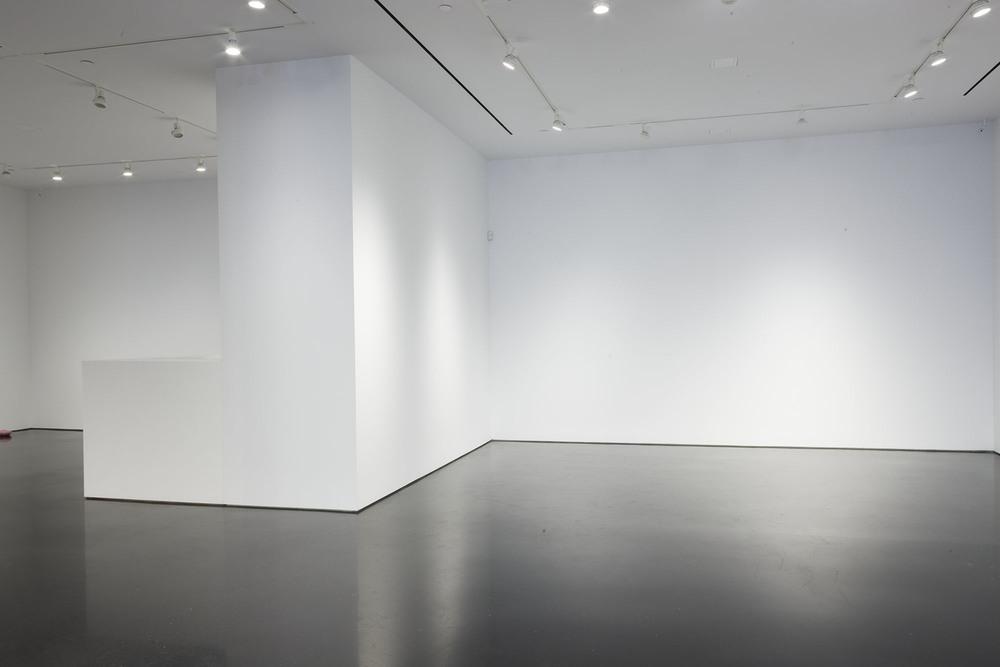 976 Gallery 06.jpg