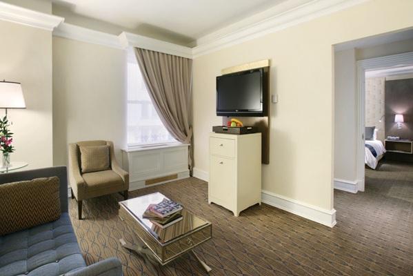 Carlton Room 4.jpg