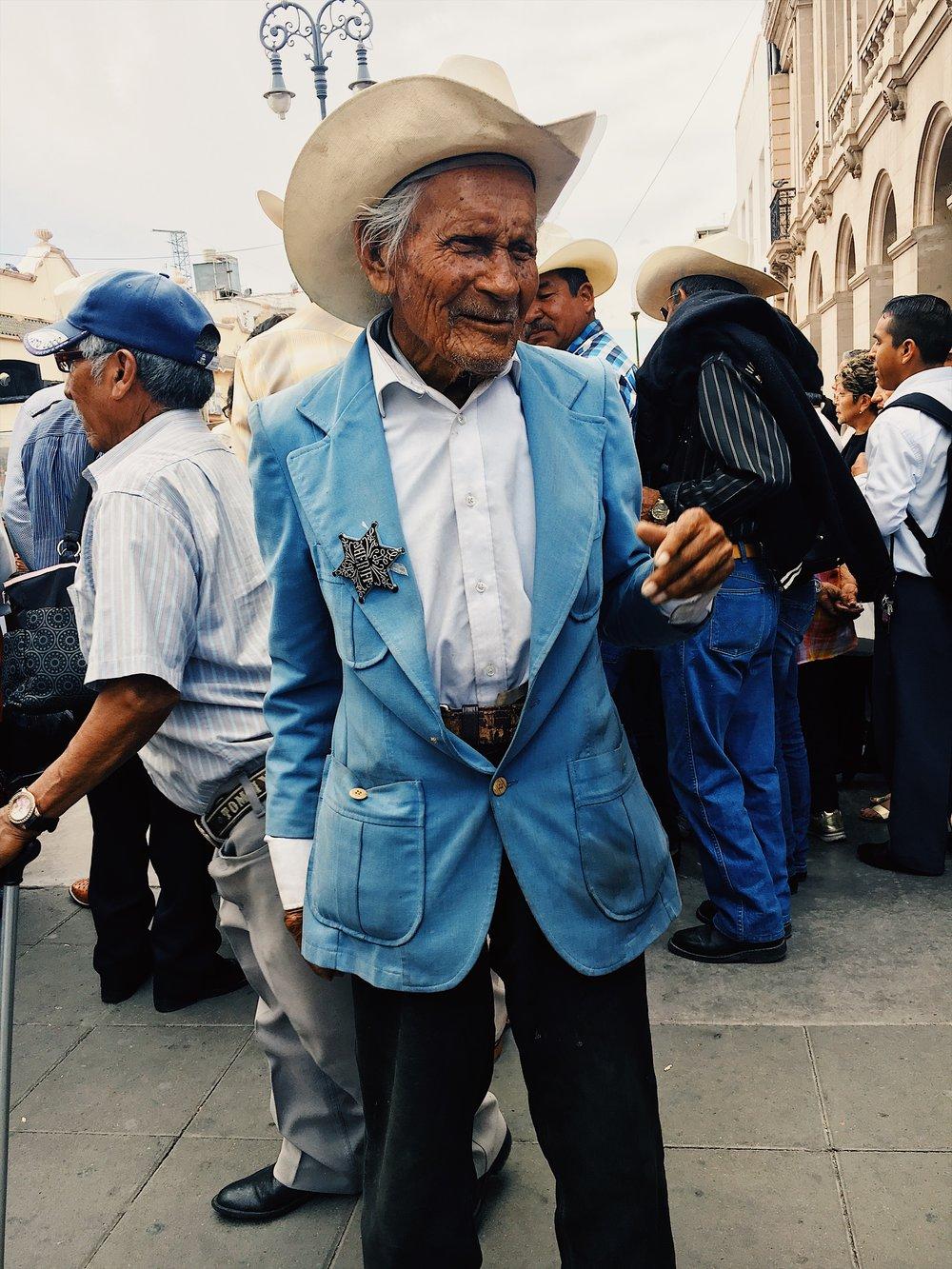Robert Marcillas  http://www.robertmarcillas.com