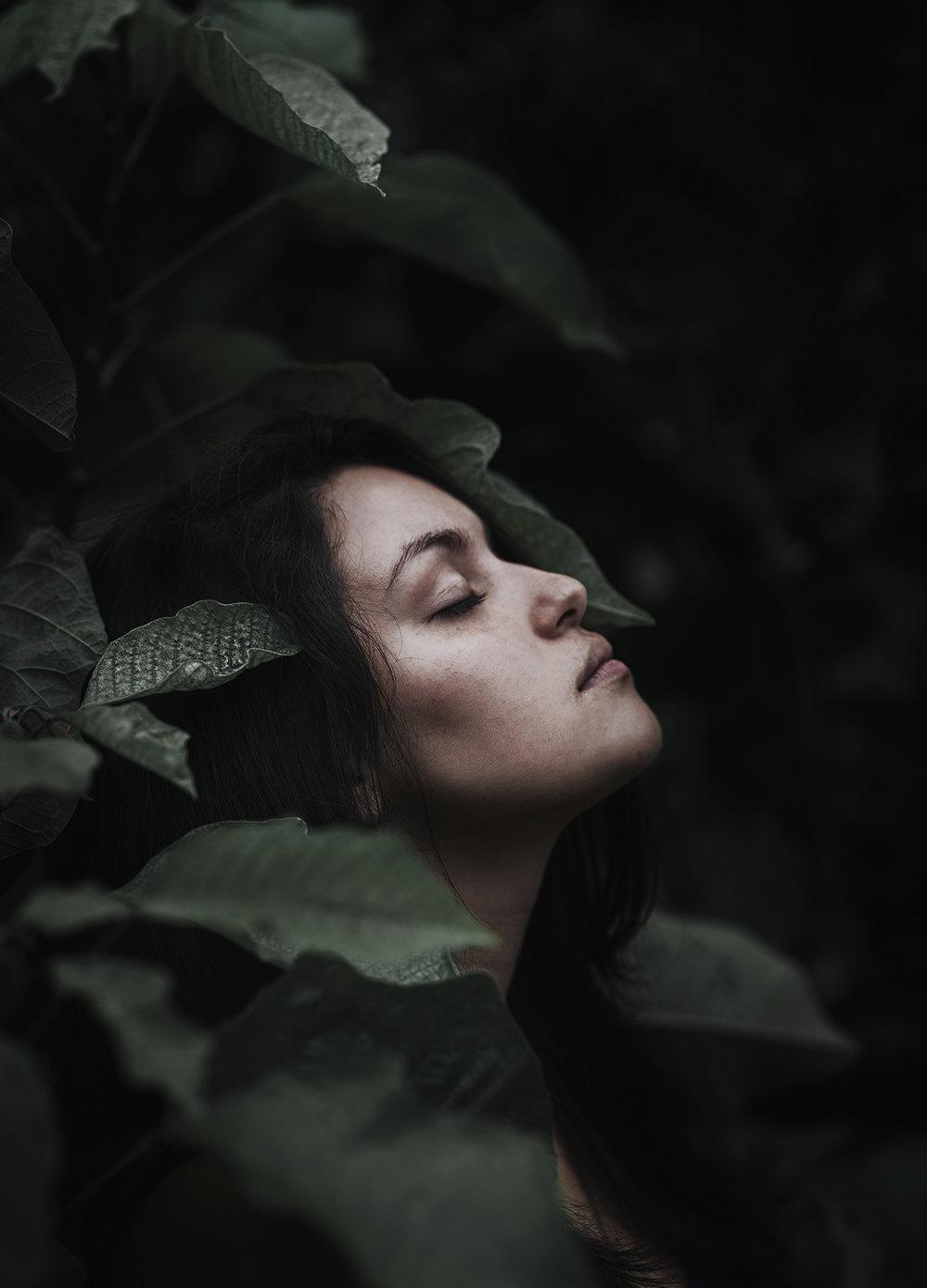 Sara Rodriguez  https://www.instagram.com/sarisfacshon/