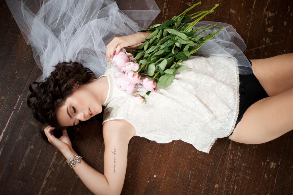PHOTO    Joanna Tillman   HMUA    Rachel Lane   JEWELS    Gemma Jewels   MODEL    Sarah Villalobos    PAINTED BACKDROP    Becca Bastian Lee