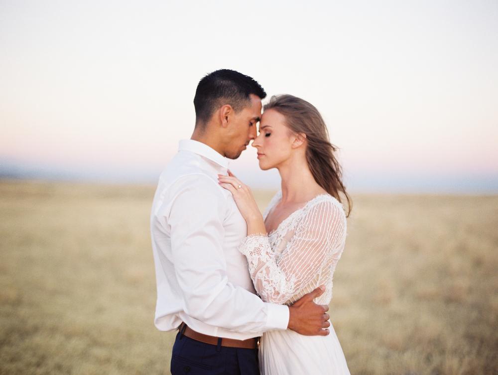 Boise Idaho Candid, Classic, Natural Light Wedding Photographer