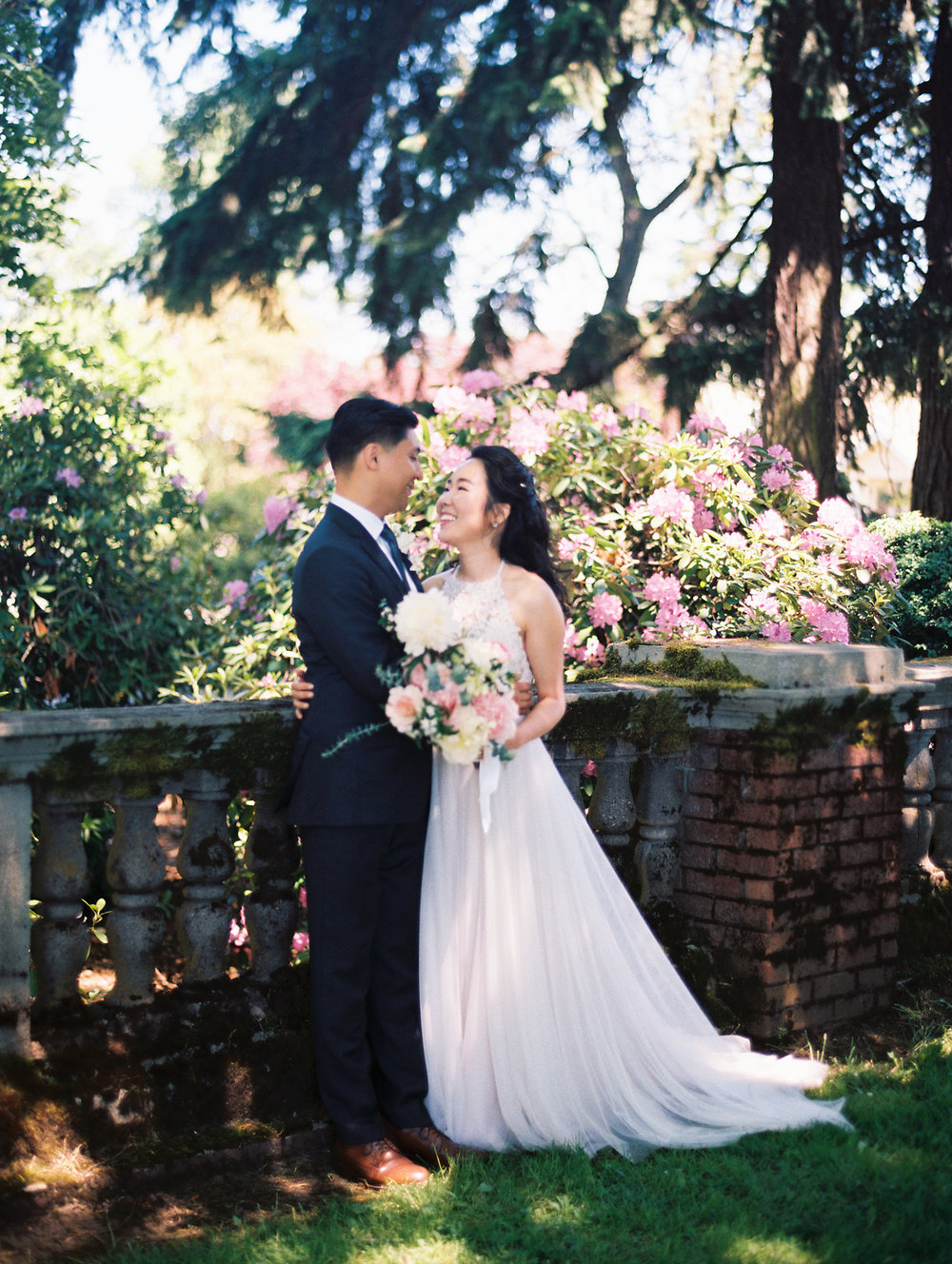 Organic Oregon Wedding Photographer