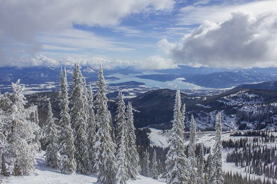 Schweitzer Mountain Resort is Idaho's little hidden gem. The views, the lodging and the activities.https://www.schweitzer.com/plan/weddings/