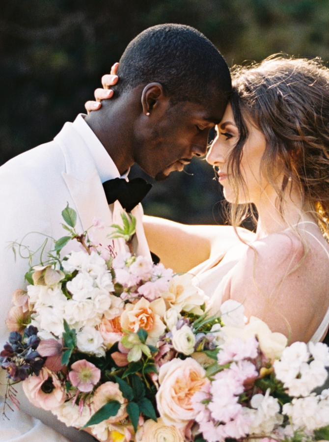 Romantic & Timeless Wedding Photographer
