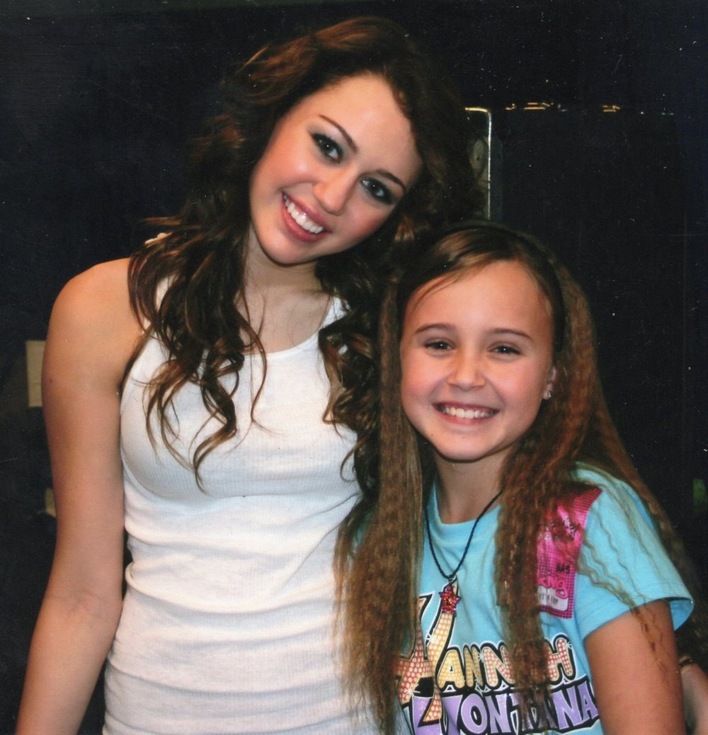 Miley Cyrus & Kira Cocorochio