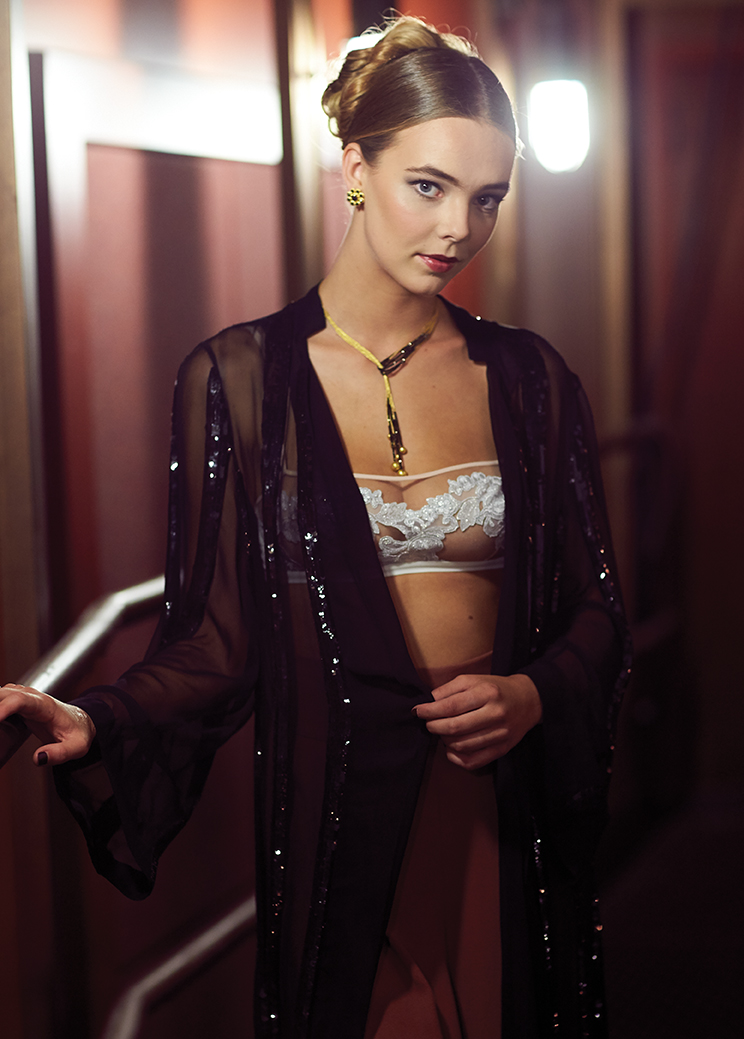 Sequin kimono, ALLORA BY LAURA. Bra, INTIMO. Pants, BLANKA. Necklace and earrings, ARA COLLECTION.
