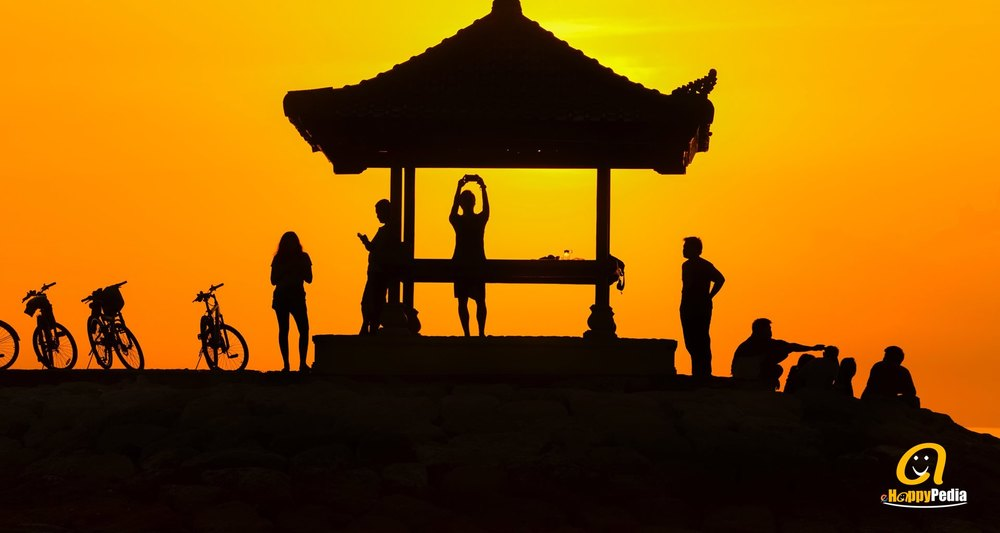 blog - sunset temple people asia boudhism.jpeg