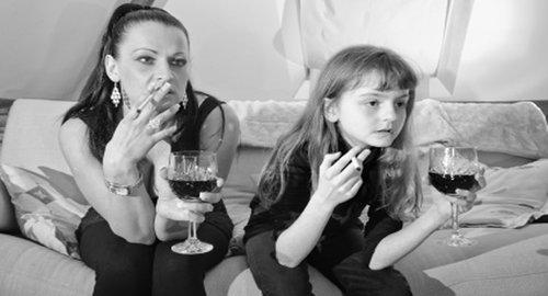 girls tasting themselves