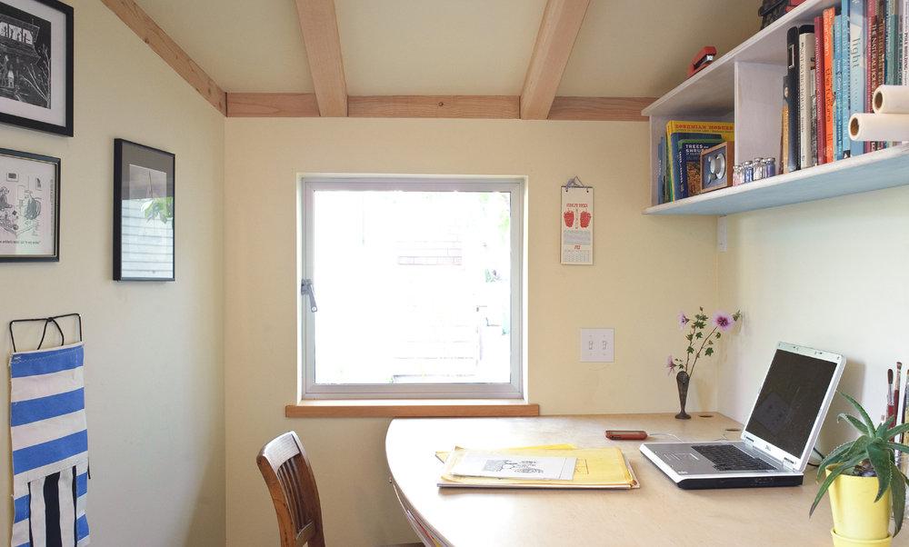 Curved Desk.jpg