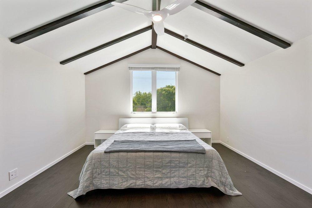 Vaulted Ceiling.jpg