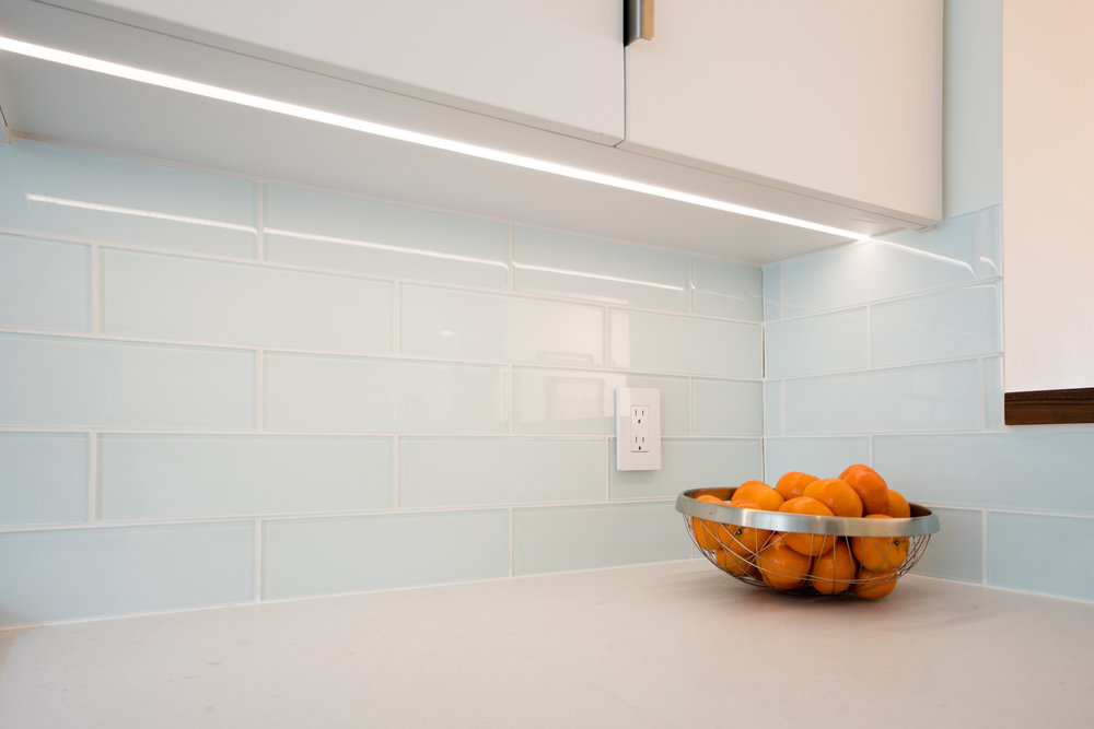 MINIMALIST LED LIGHT