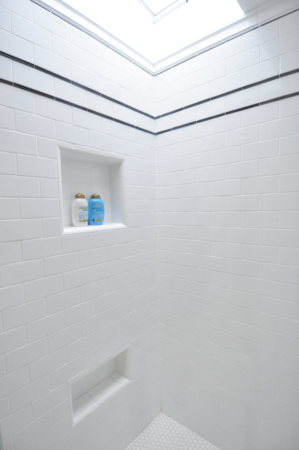 Shower with skylight.JPG
