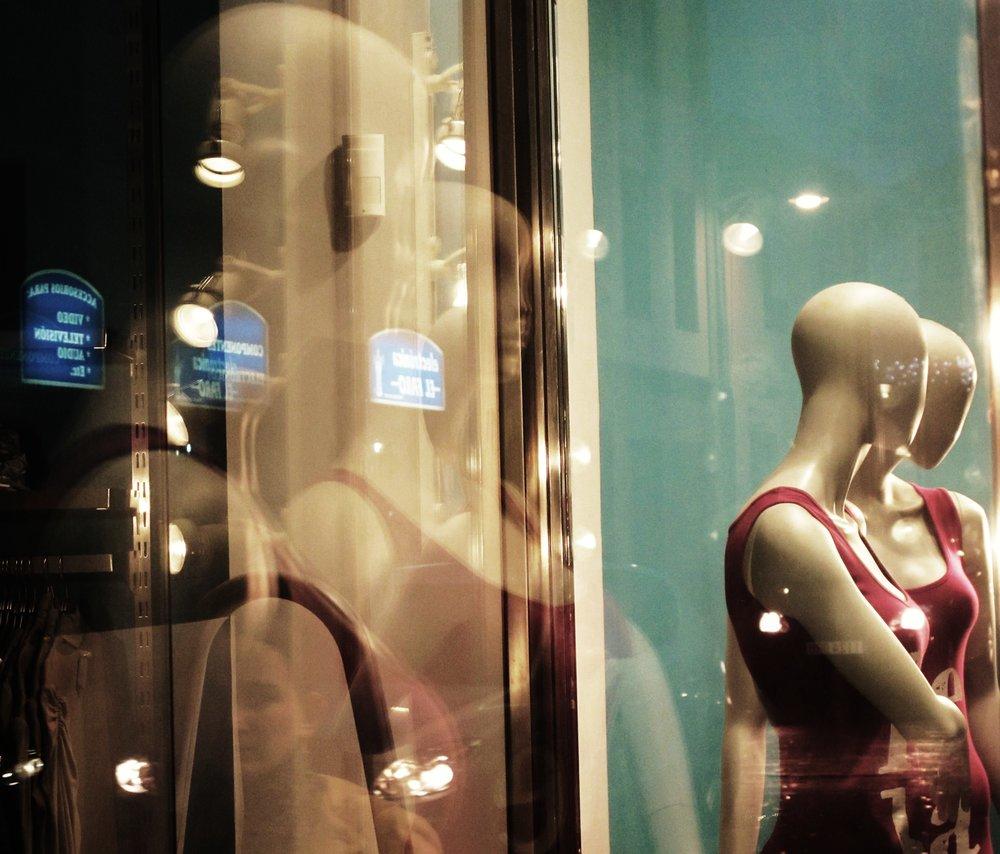 Bald Women (Tenerife).JPG