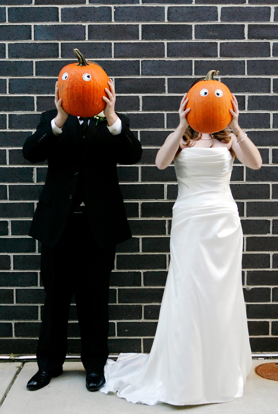 halloween-wedding-milwaukee-public-market-ruthie-hauge-photography.jpg