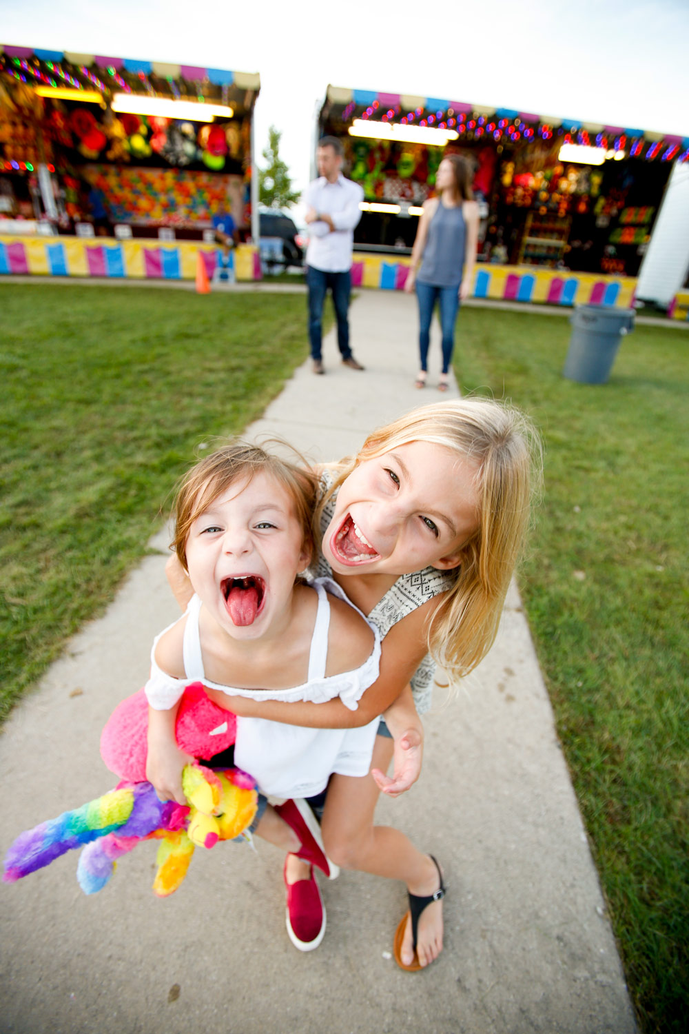 family-portrait-huntley-candid-lifestyle-carnival-kids-children-ruthie-hauge-photography.jpg