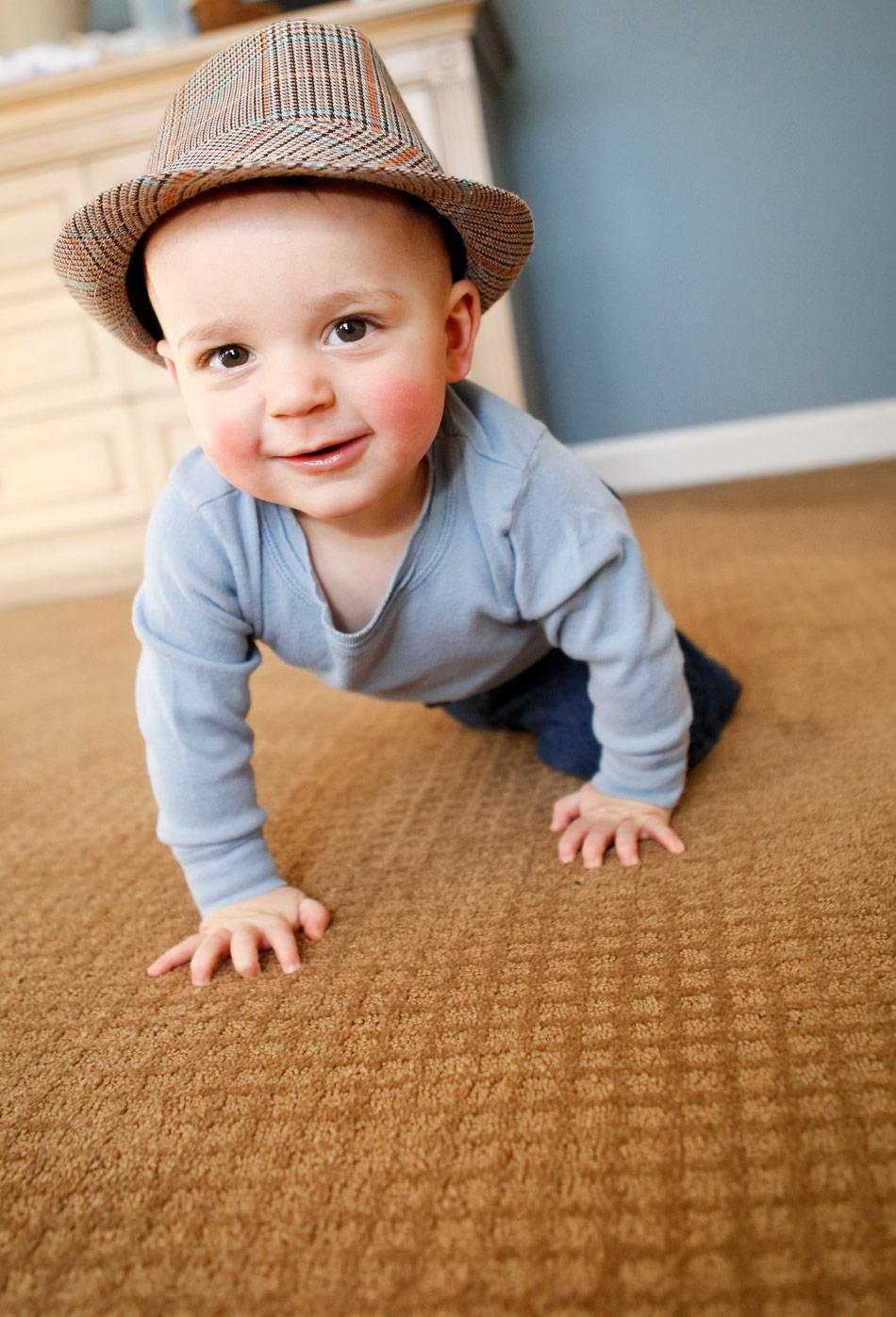 barrington-family-portraits-baby-ruthie-hauge-photography.jpg