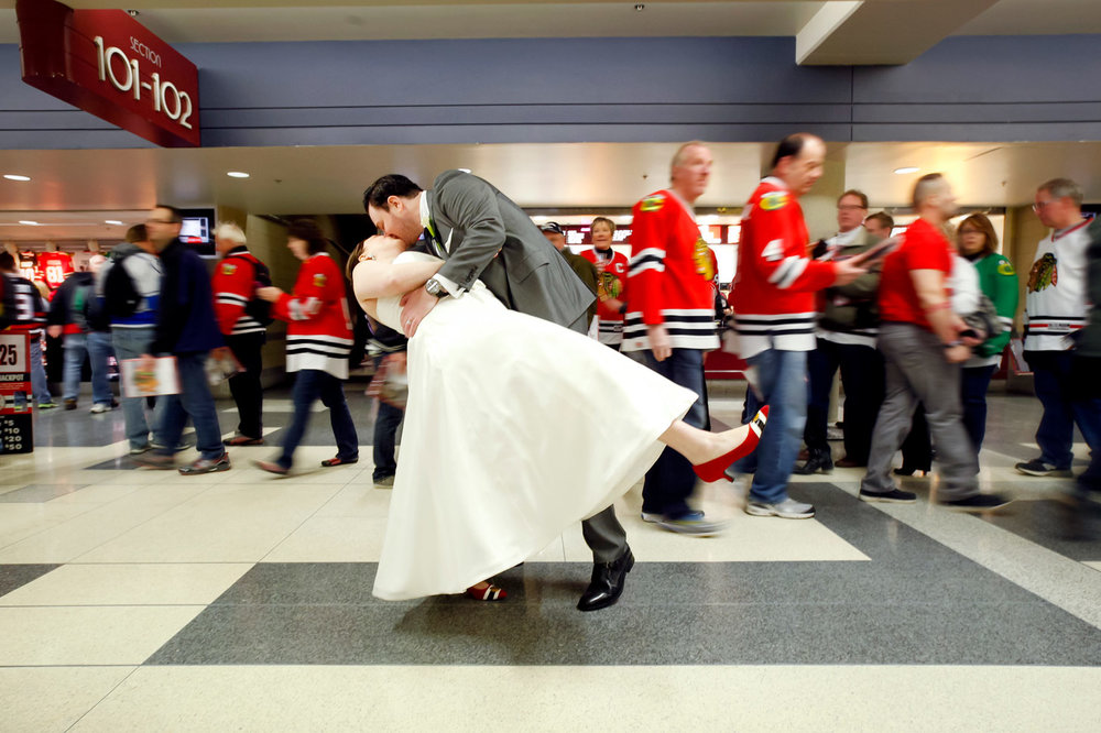 revolution-brewing-chicago-blackhawks-wedding-ruthie-hauge-photography-67.jpg