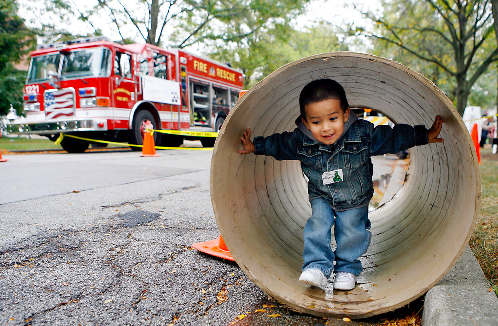 touch-a-truck-family-event-children-kids-school-photographer-ruthie-hauge-photography-madison-wi.jpg