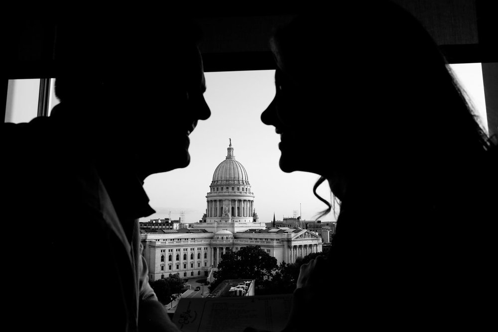 madison-wisconsin-wi-capital-capitol-building-engagement-session-ruthie-hauge-photography-eno-vino.jpg