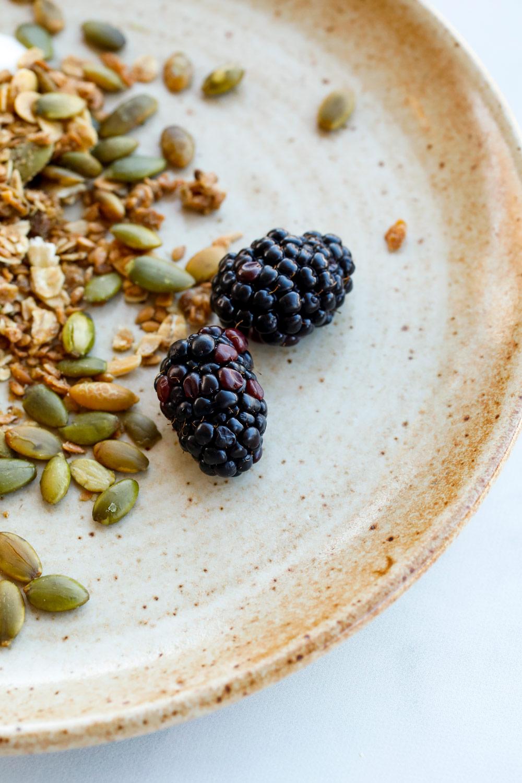 granola-blackberries-healthy-breakfast-food-photography-ruthie-hauge-madison-wi.jpg