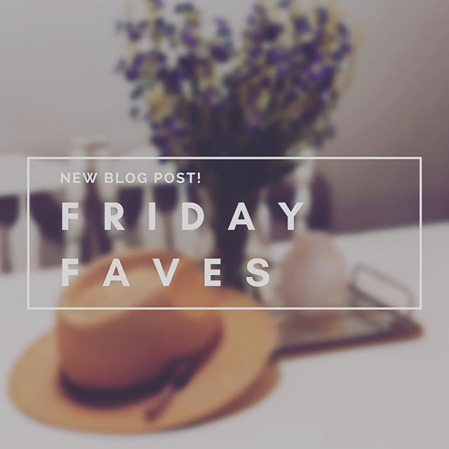 ✨#fridayfaves✨ New Blog Post featuring some of my favorite brands . . ⚡️link in bio⚡️ . . . . #fridayfaves #fridays #fridayvibes #fridayfavorites #favorites #blog #blogger #bloggerlife #lifestyle #foodblogger #foodblog #lifestyleblogger #bloggersofinstagram #linkinbio #fashion #fashionblogger #altardstate #bananarepublic #rayban #bando #madewell #bloggers
