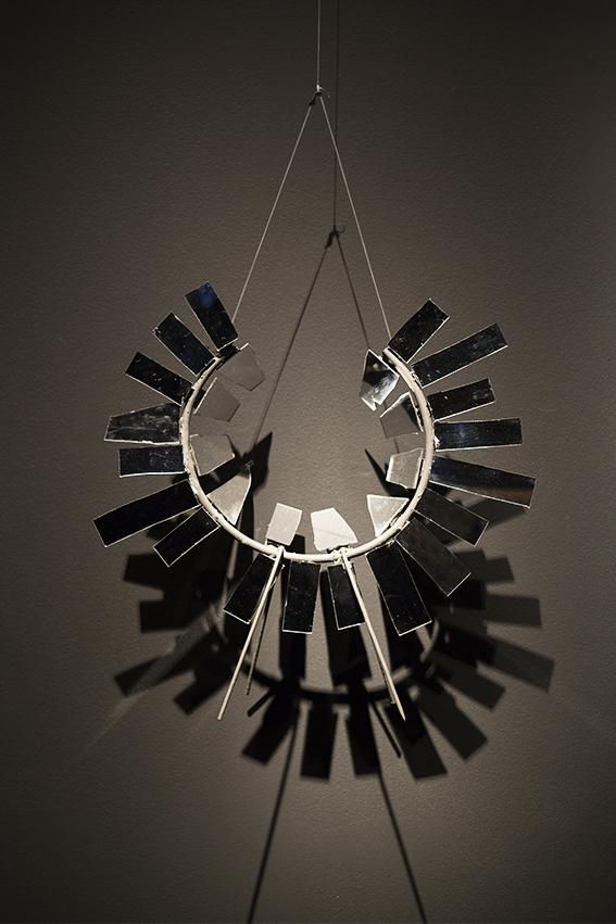 Escultura Anel de Espelhos Acrílico, 2013