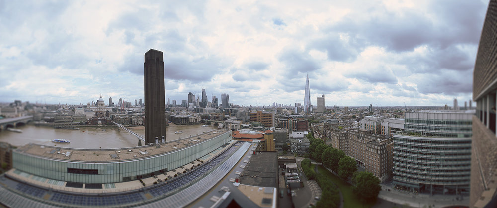 Left to right: St. Paul's Cathedral, Boiler House, the City, Canary Wharf, the Shard, Switch House. Panorama © 2017 Ekaterina Selezneva