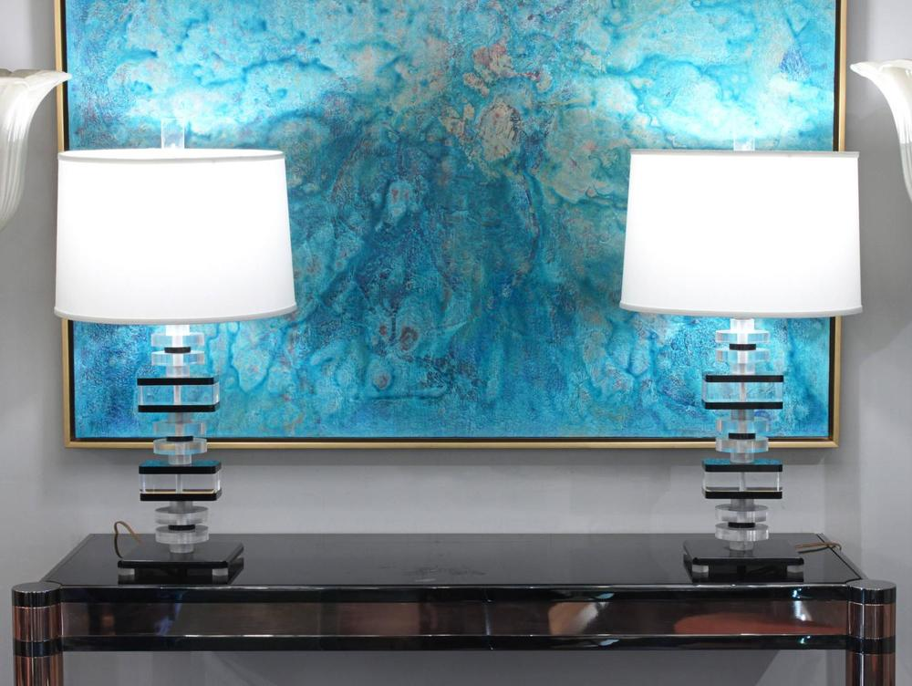 70s_45_lucite_blk_clear_tablelamps332_detail5_hires_z.jpg