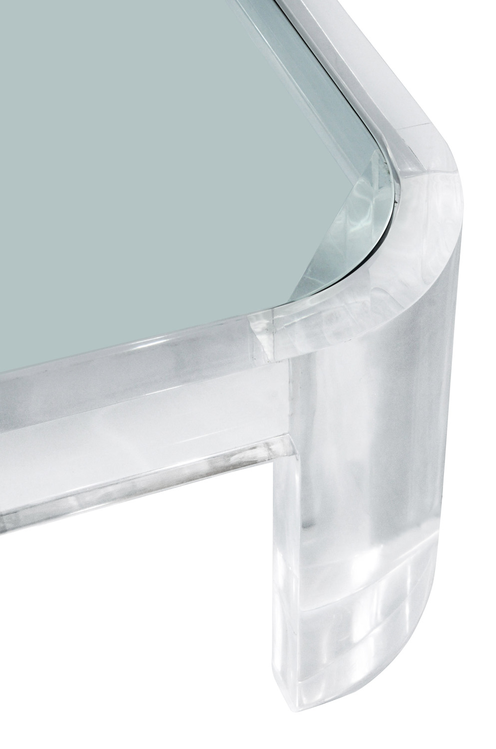 Prismatiques 75 54sq lucite radius corners coffeetable133 detail2 hires.jpg