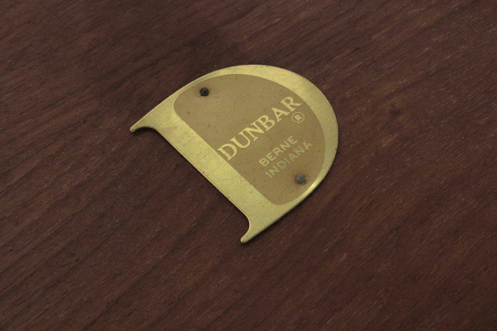 Dunbar 150 rosewood round diningtable102  label hires.jpg