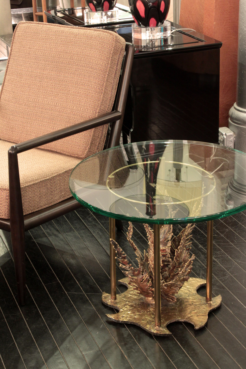 Seandel 45 brass fern under glass endtable132 detail2 hires.jpg