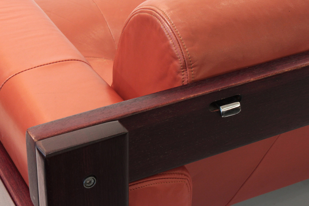 Lafer 85 rosewood and leather sofa85 detail hires.jpg