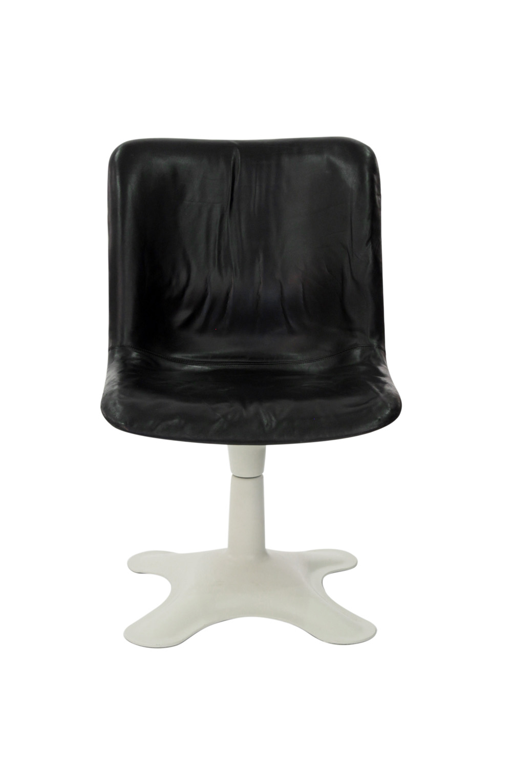 Kukkapuro 65 blk leather+white ba loungechairs107 detail1 hires.jpg
