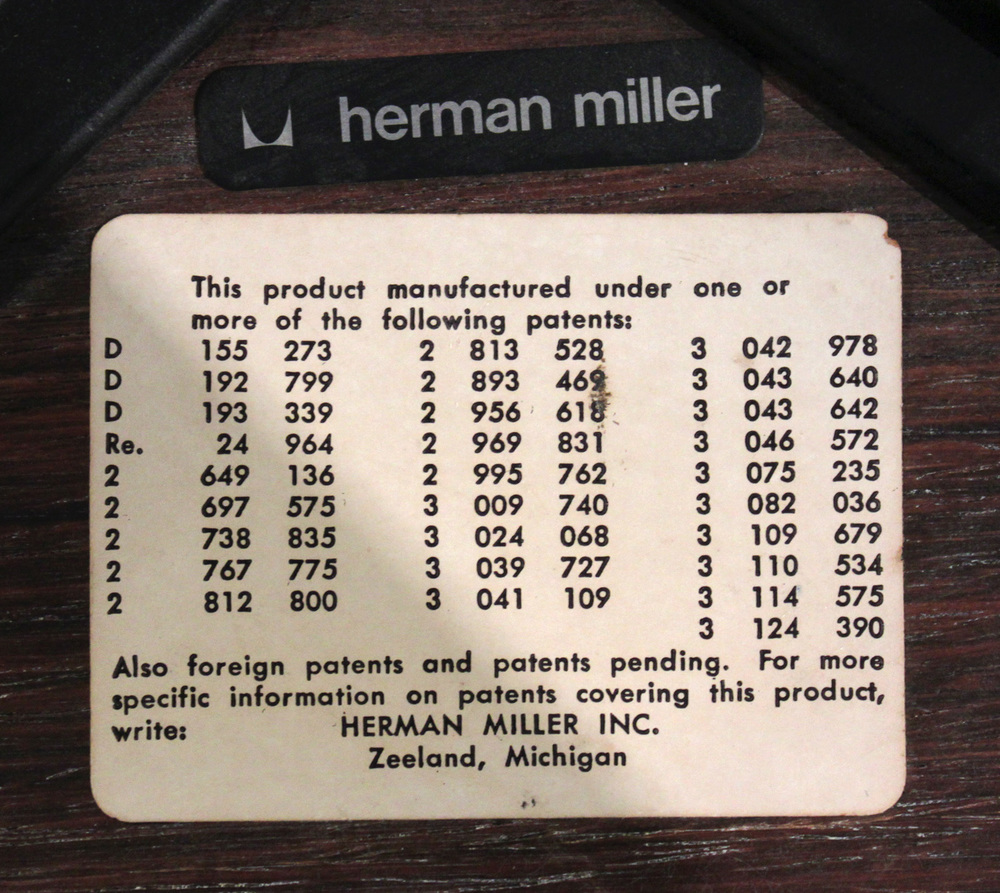 Eames 55 670+671 rosewd+blk lthr chair&ottoman58 detail9 hires.jpg