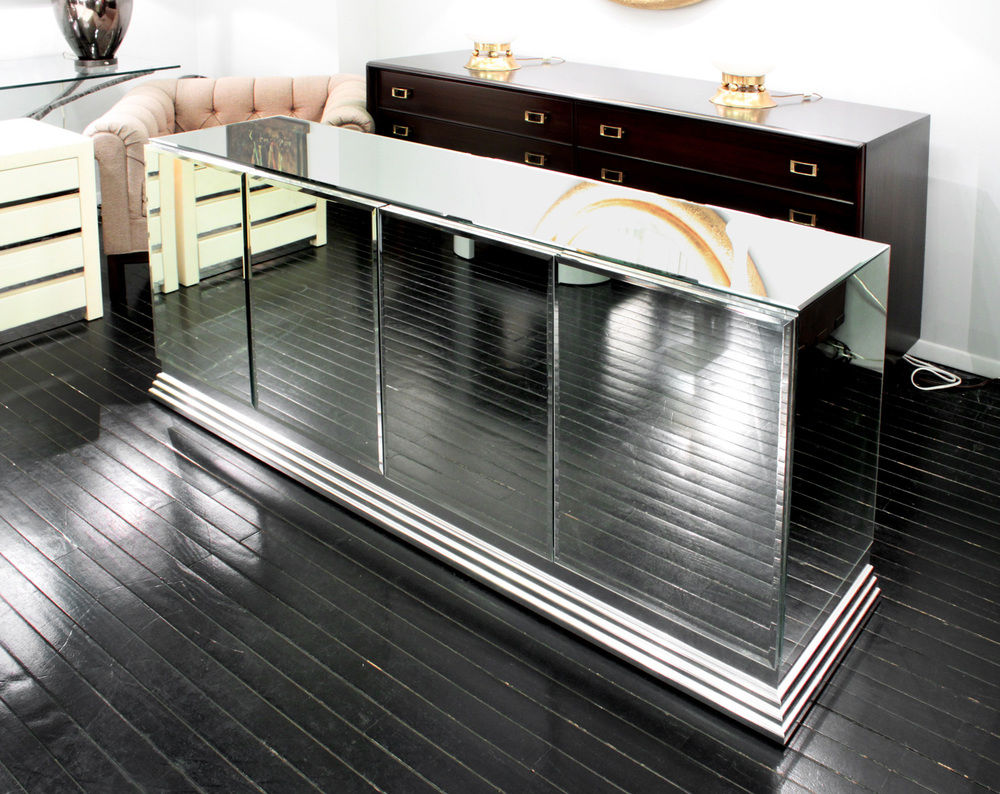 70s 85 Italian mirrored chrome base credenza48 detail5a hires.jpg