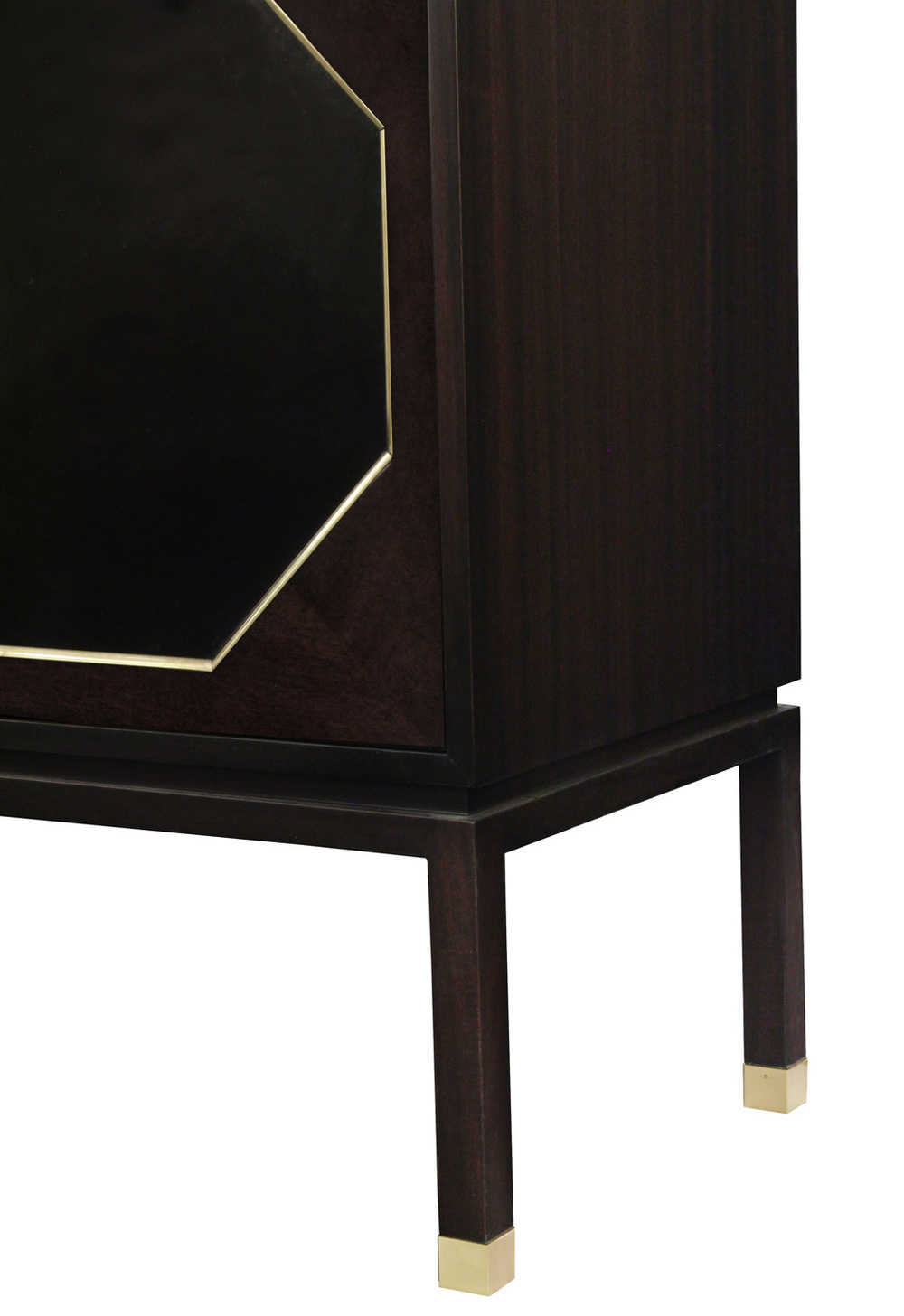 Probber 95 2dr w6sides leather cabinet42 detail4 hires.jpg