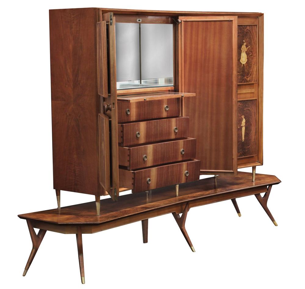 Diez 150 inlay 4 door backlit cabinet3 detail10 hires.jpg