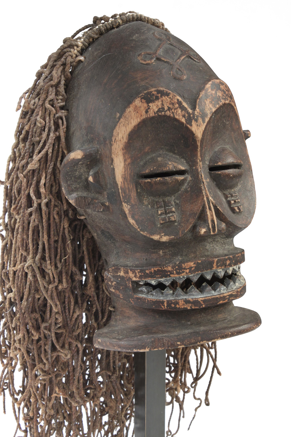 Springer 38 African mask Ekoi sculpture96 detail3 hires.jpg