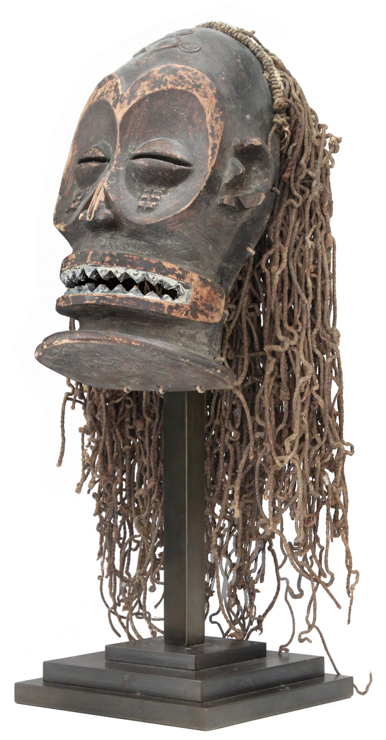 Springer 38 African mask Ekoi sculpture96 hires.jpg