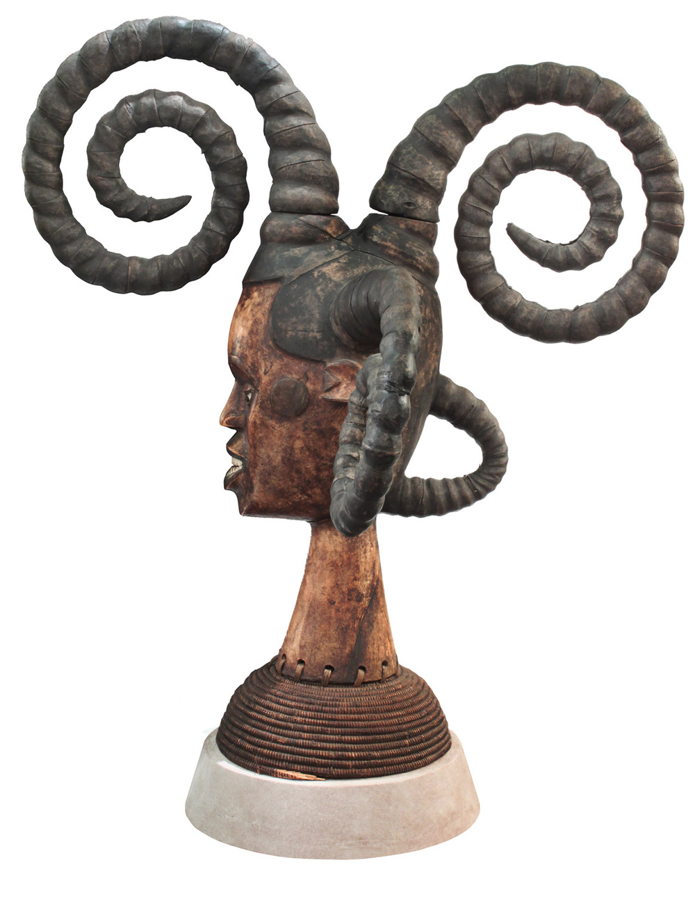 Springer 38 African Medusa sculpture98 detail2 hires.jpg