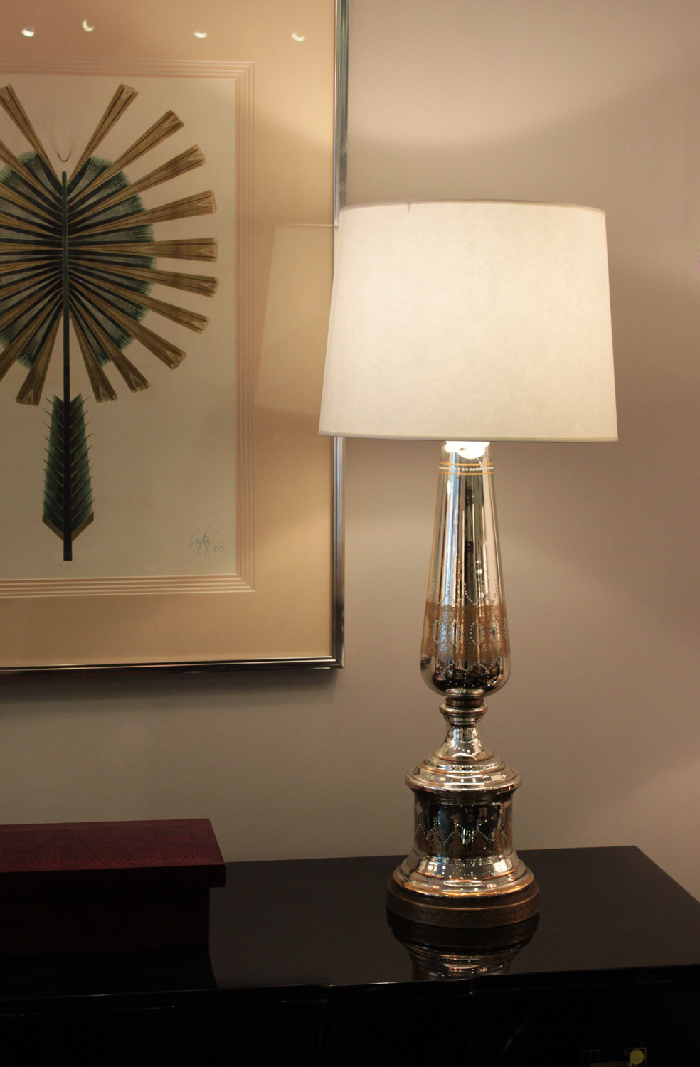 40s 75 lrg mercury+gold&white dec tablelamps292 detail4 hires.jpg