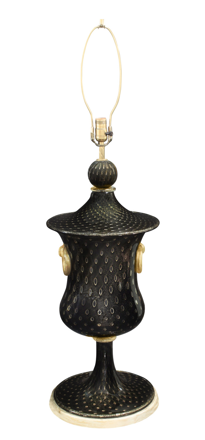B&T 150 lrg blk controlled bubbles tablelamps330 detail2 hires.jpg