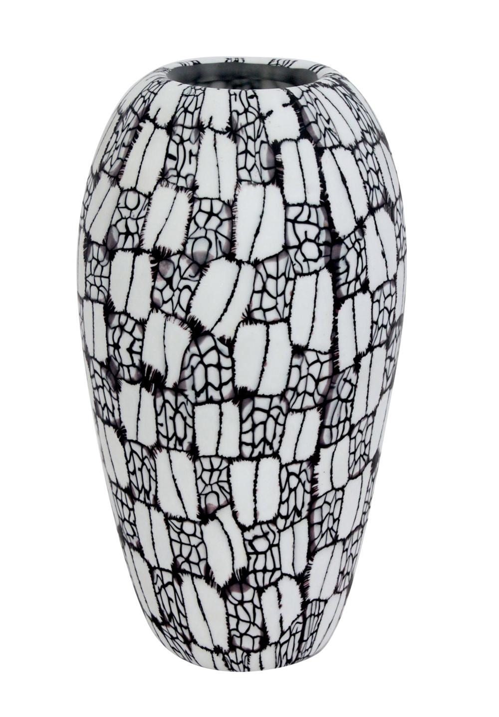 Vittorio Ferro 35 blk+white murrhine vases hires.jpg